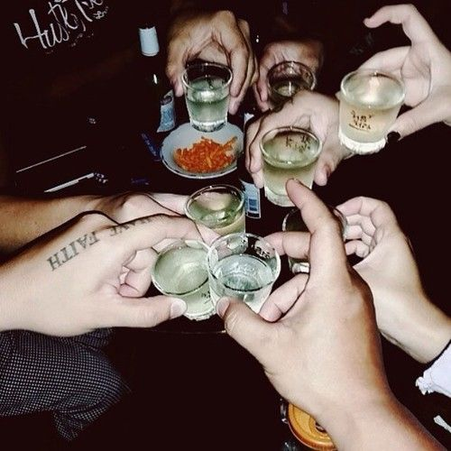 etre saoul et consommer de l'alcool